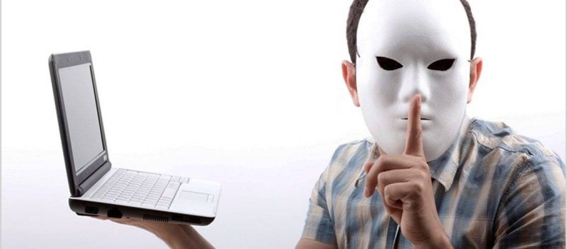 Falsi Profili Social Media